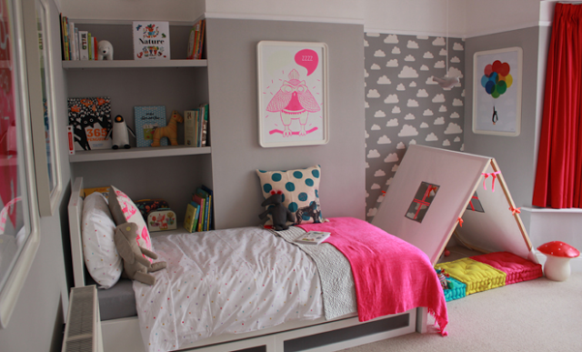 deco pink neon une chambre de fille en rose fluo chiara stella home. Black Bedroom Furniture Sets. Home Design Ideas