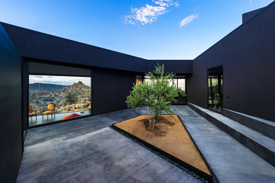 la_maison_noire_du_desert_par_marc_atlan_et_oller_pejic_par chiara stella home17