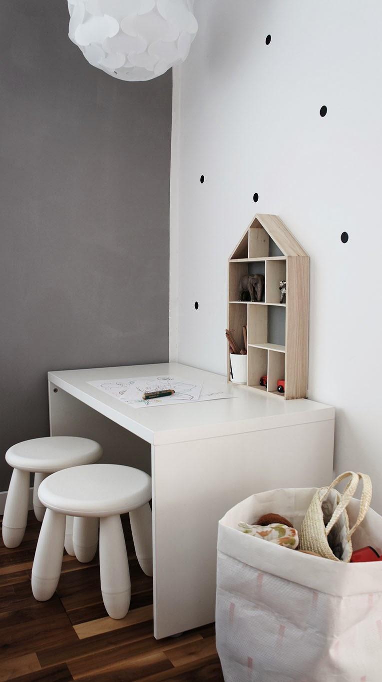Papier peint noir et blanc chambre avec des for Papier peint original chambre