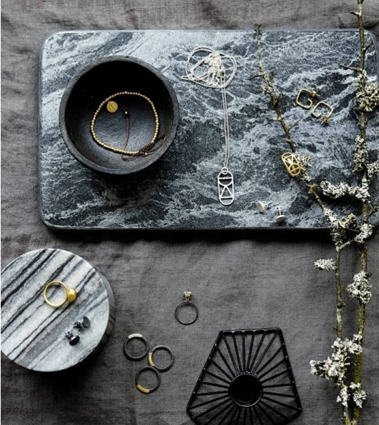 planche-a-decouper-marbre-noir-house-doctor3