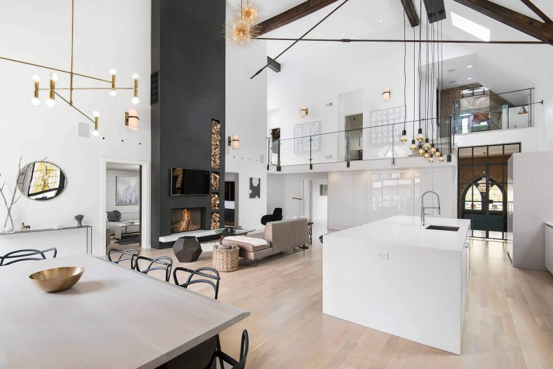un loft dans une eglise chiara stella home. Black Bedroom Furniture Sets. Home Design Ideas