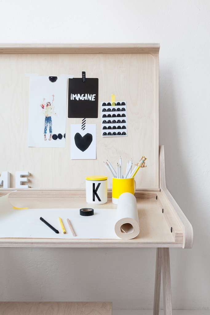 bureau-enfant-rafa-kids, k-desk- bureau-design-bois-naturel-par-chiara-stella-home