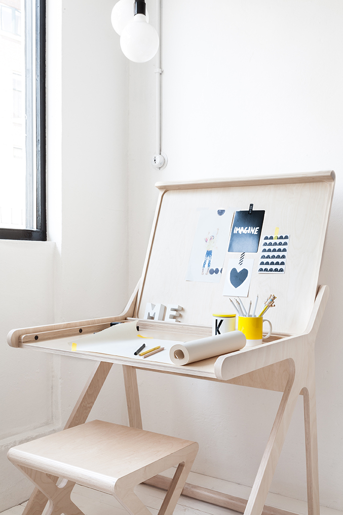 bureau-enfant-rafa-kids, k-desk- bureau-design-contreplaque-par-chiara-stella-home