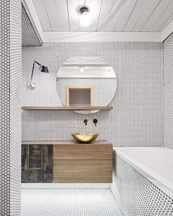 carrelage-salle-de-bains-noir-rond-monochrome-par-chiara-stella-home10
